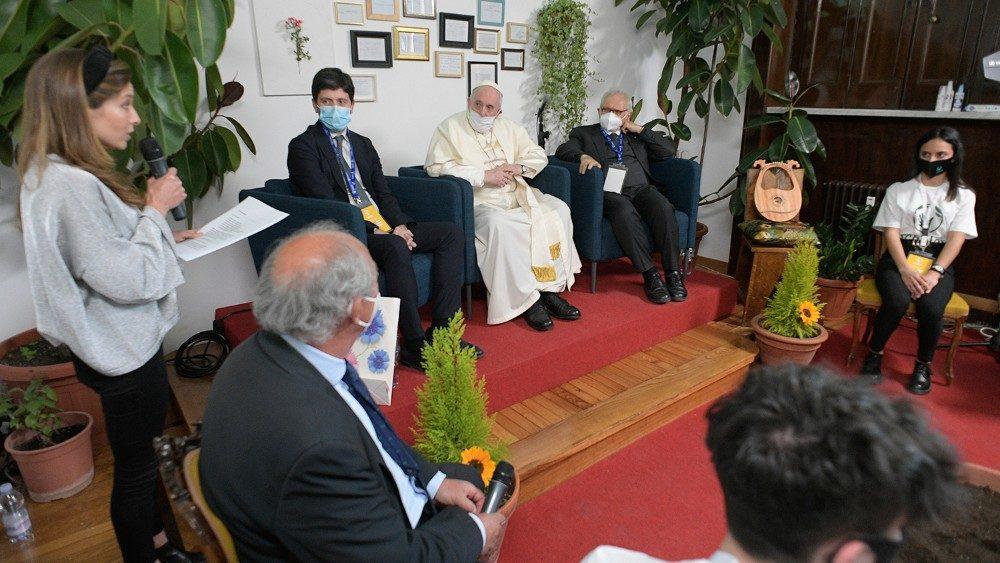El Papa a los jóvenes de Scholas: «No tengan miedo de ir más allá de las fronteras»
