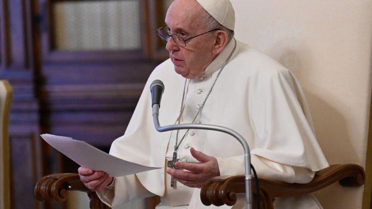 Papa a Acción Católica: laicos deben ser escuchados por convicción, no por concesión