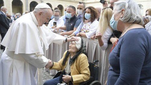 El Papa en la catequesis: debemos ser conscientes de que Jesús reza por nosotros