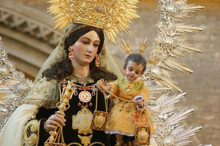 ¿Sabías que la 'Virgen del Carmen' es la patrona del criollismo y la alcaldesa de Lima?