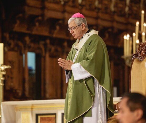 Arzobispo de Lima: «La Iglesia está para servir, no para imponerse»