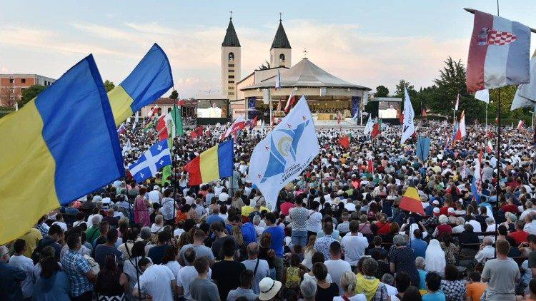 El Papa a jóvenes en Medjugorje: tened el coraje de seguir a Cristo