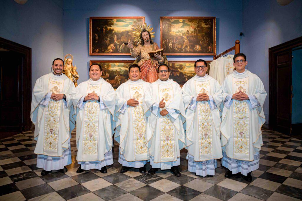 Iglesia de Lima se renueva con la ordenación de seis nuevos sacerdotes