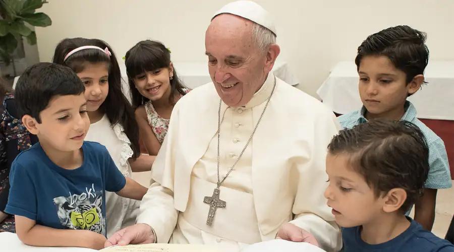 Papa Francisco da estos 2 consejos a los alumnos que volverán a la escuela
