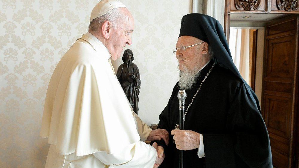 El Papa a Bartolomé: juntos trabajamos por los retos de hoy